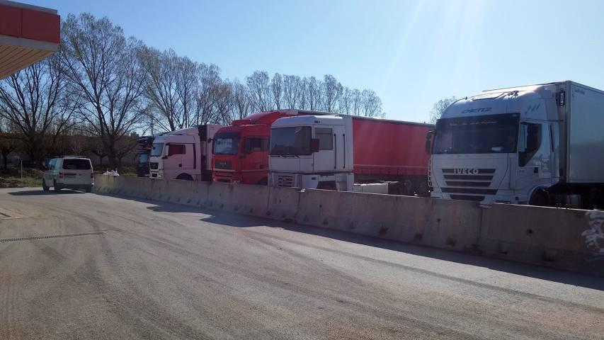 - 4deeb-parquing-camiones-costa-brava.jpg